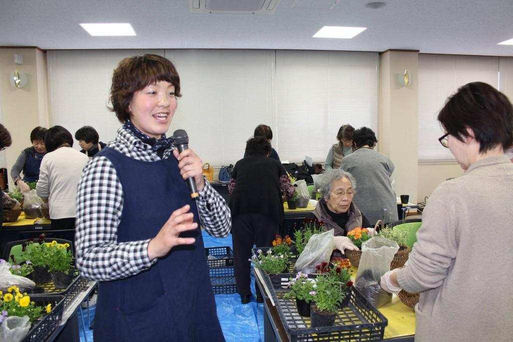 NOSAIとやまさんの寄せ植え教室始まりました!!