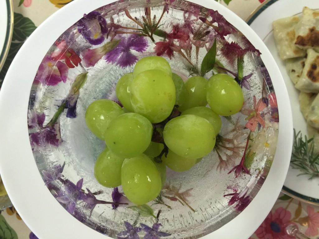 お花のゴージャスお皿