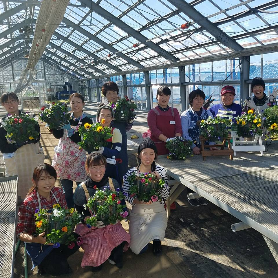 若手農業者交流会で楽しい楽しい寄せ植え教室♪