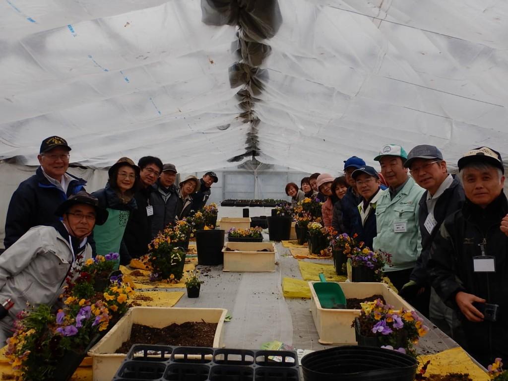 小矢部園芸高校専攻科の寄せ植え教室